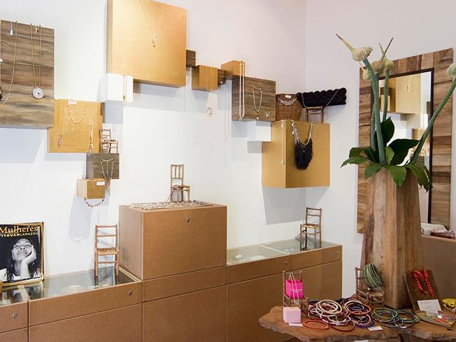 architecture int rieure pour la boutique sinara paris 17 me une r alisation de l 39 agence moha. Black Bedroom Furniture Sets. Home Design Ideas